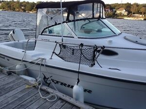 2005 Seaswirl Striper 2101 in Excellent Condition with Low Hours