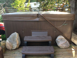 Beachcomber Hot Tub - 360 Model- Like New