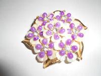 LADIES VINTAGE BROOCH - GOLD COLOR AND PEARL/LILAC LUCITE?