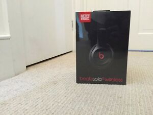 Wireless Beats Solo 2(Black) - Unopened Gift
