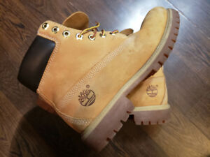 Men's Timberland Boots - Size 8 (equivalent to size 10 women's)