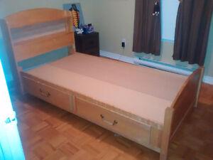 Set de chambre pour enfant en bois franc