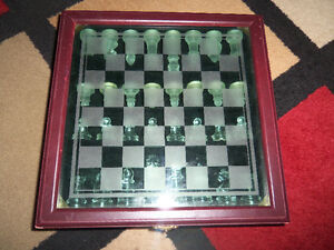 Wooden Chess Box Glass Chess pieces Game Set