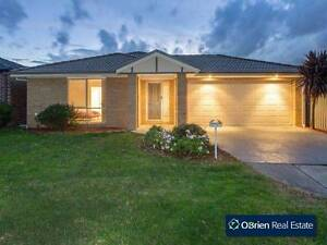 House share in Hunt Club for Indian couple Cranbourne East Casey Area Preview