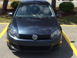 2013 VW 2.5L Golf 5-Speed Manual - great condition