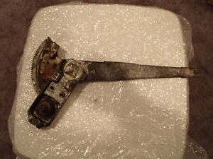 1966-70 Mopar B-Body 2 Door Front Door Window Regulator Left Han