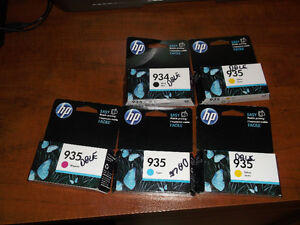 HP  935 and HP 934 ink cartidges