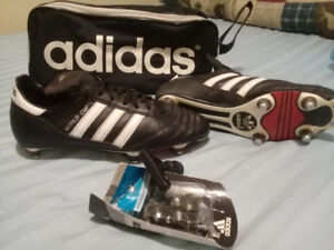 Soccer Adidas Classic size 9