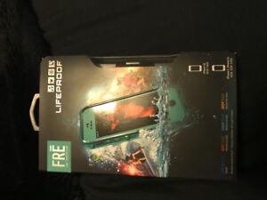 Brand new never used iphone 5 & 5S lifeproof case