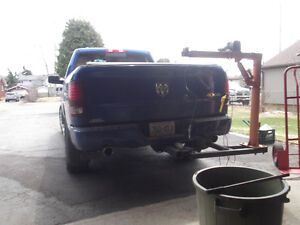 Pickup mounted lift