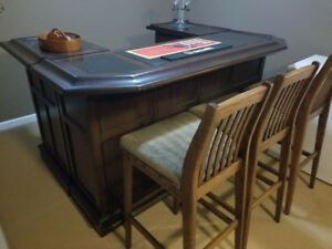 Great Condition Bar With 3 Chairs