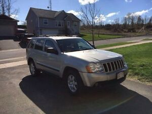 2008 Jeep Grand Cherokee! Loaded! Leather!