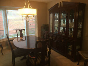 Beautiful dining set with 6 chairs and stunning 2 piece hutch