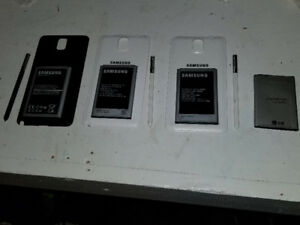 Samsung note 3 back covers/pens/& batteries 3 of each $10 a set