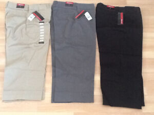 New with tags Woman's size 8 Capris