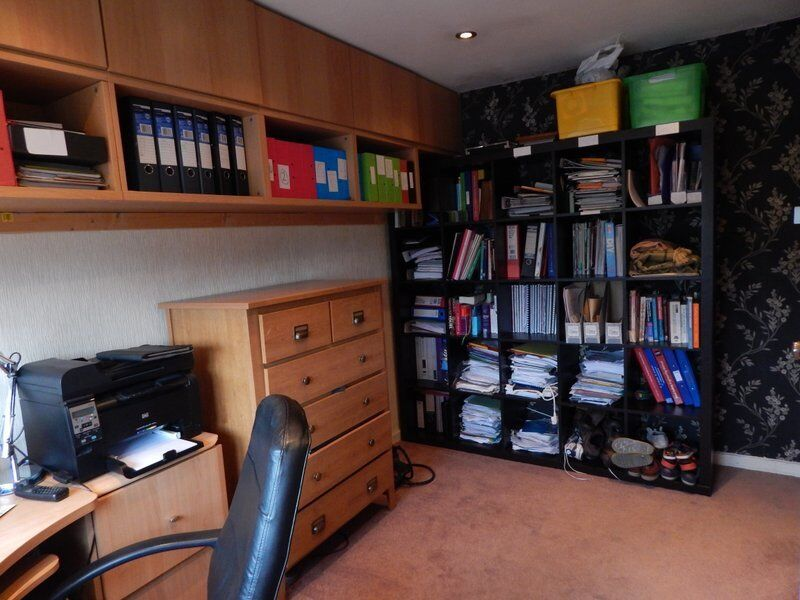 BEAUTIFUL 3 BED ROOM FLAT IN RED BRIDGE STATION (DSS WELCOME)