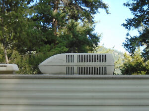 Travel Trailer roof top AC unit