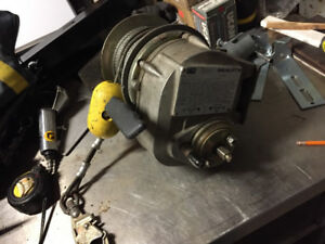 DBI Sala L1850 WINCH LIFT 60'CABLE 2 SPEED 350LBS  CAPACITY