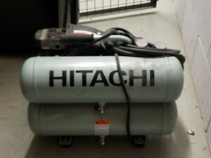 Compresseur à air HITACHI EC89