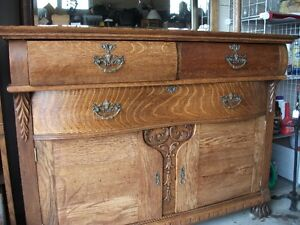 OLD OAK SIDEBOARD With LEADED GLASS Belleville Belleville Area image 3