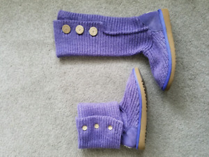 EUC Knit UGG Cardy Womens boots size 9