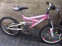 Magna girls 5 speed lovely mountain bike £30