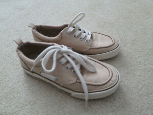 Boys size 1 shoes Stratford Kitchener Area image 1