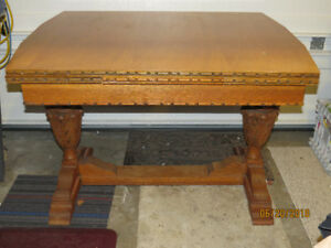 Antique OAK English Pub Table with 2 draw leafs