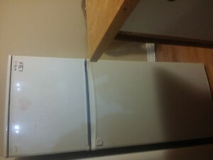 Appartment size fridge Cornwall Ontario image 2