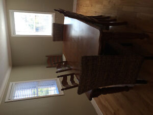 Table and chairs **willing to separate Kitchener / Waterloo Kitchener Area image 2