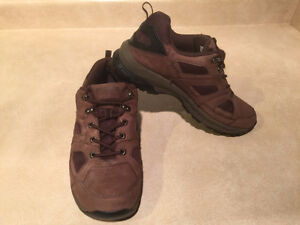 Women's WindRiver Hiking Shoes Size 8 London Ontario image 7