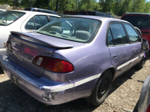 1998 Toyota Corolla ** FOR PARTS ** INSIDE & OUTSIDE **