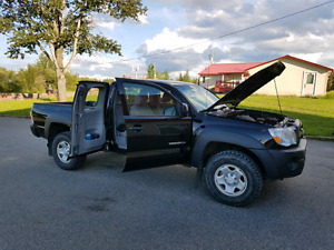 2011 Toyota Tacoma 4 cylinder 5 speed!! REDUCED FROM 18500