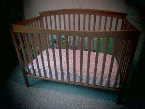 Crib 4 in 1 [Storkcraft - Bradford Stages 4-in-1 Crib]
