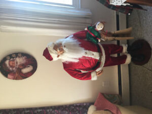 Five foot santa...decoration only .....