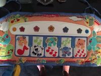 COT TOYS AND MOBILE GREAT CONDITION