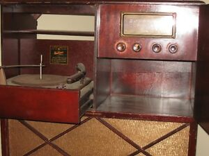 Antique radio with record player Peterborough Peterborough Area image 4