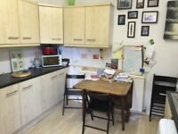 3 bed flat, Cholton, close to all amenatie, transport, Cholton village, double bedrooms, 2 toilets