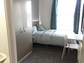 Bedrooms, en suite showers, bills included, renovated, near transport,shops, supermarkets, city cent