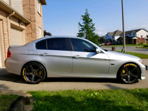 BMW 330XI 2006 Low KM's