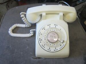 1980 NORTHERN TELECOM IVORY ROTARY DIAL DESK TELEPHONE $30.00
