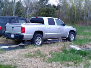 2006 Dodge Dakota Quad Cab.. USA Truck..No Rust..$2400..Trades..