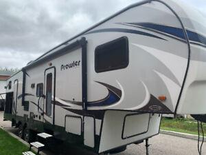 Caravane a scellette 32 pieds 2018 !Prowler