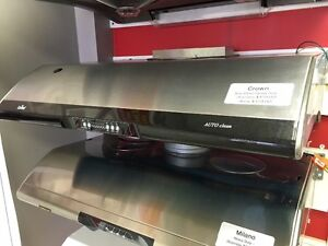 Crown - Auto Clean Heavy Duty Range Hood - Stainless/White London Ontario image 2