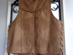 Brown leather vest in Ladies Med.  recycledgear.ca Kawartha Lakes Peterborough Area image 3