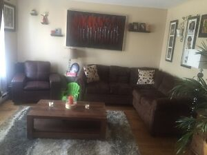 FIRST MONTH FREE! Recently renovated 4 1/2 in Lasalle