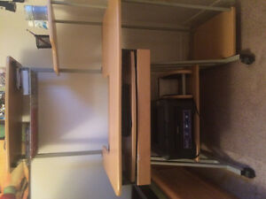 Selling Desk in Great Condition Kitchener / Waterloo Kitchener Area image 3