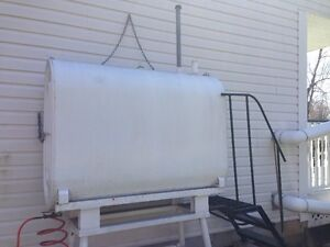 200 GAL OIL TANK AND STAND