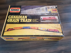 Vintage Aurora Canadian Grain Train Model Railroad