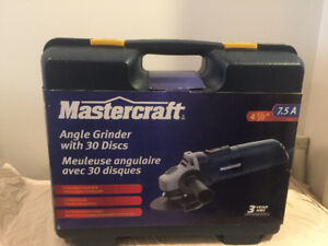 "Mastercraft 4.5"" Angle Grinder 7.5A with Case and 30 Discs +"